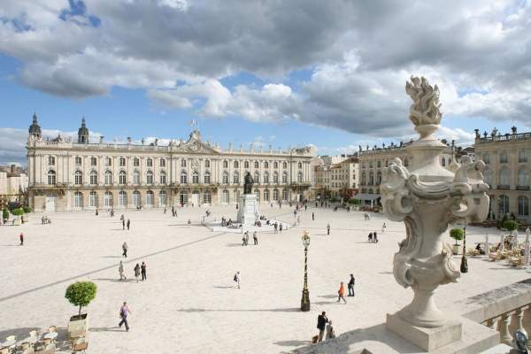Le monument préféré des français: La Place Stanislas à Nancy .