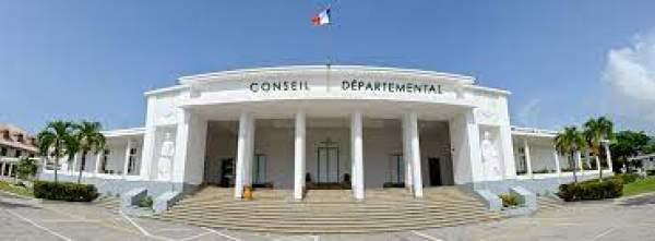 Élections départementales en Guadeloupe - résultats du 1er tour: Le binôme divers gauche en tète avec  40.64% des voix.