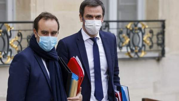 Sébastien Lecornu et Olivier Véran annoncent la fin de l'état d'urgence sanitaire à La Réunion